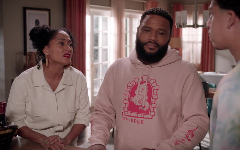 VDGN Hoodie of Anthony Anderson as Dre in Black-ish S07E18 My Dinner With Andre Junior (2021)
