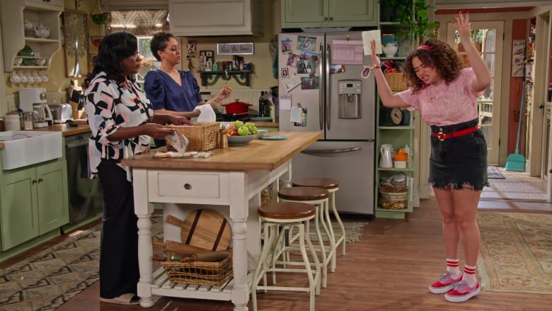 Vans Era Platform Sneakers of Talia Jackson as Jade McKellan in Family Reunion S03E02