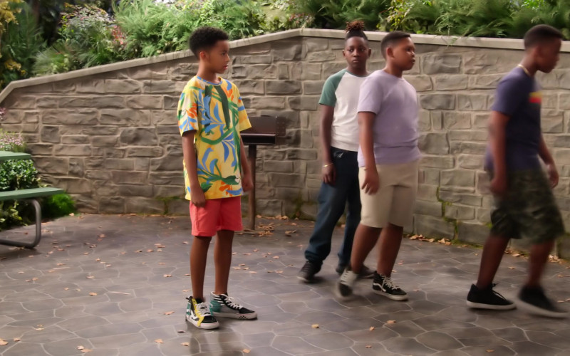 Vans SK8 Hi Otw Cap Sneakers of Isaiah Russell-Bailey as Shaka McKellan in Family Reunion S02E02 (2)
