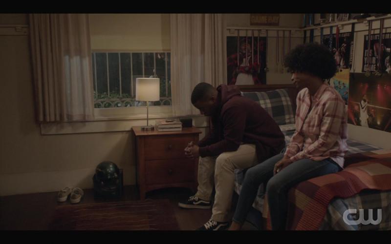 Vans Sneakers Worn by Daniel Ezra as Spencer James in All American S03E09 (2)