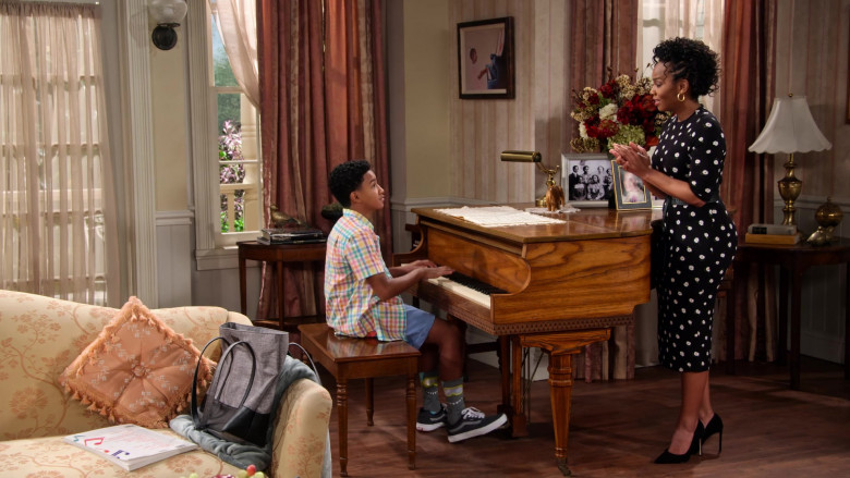 Vans Sneakers of Cameron J. Wright of Mazzi McKellan in Family Reunion S03E01