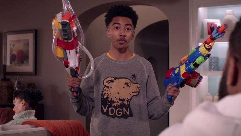 Vardagen VDGN Sweatshirt of Miles Brown as Jack Johnson in Black-ish S07E17 Move-In Ready (2021)