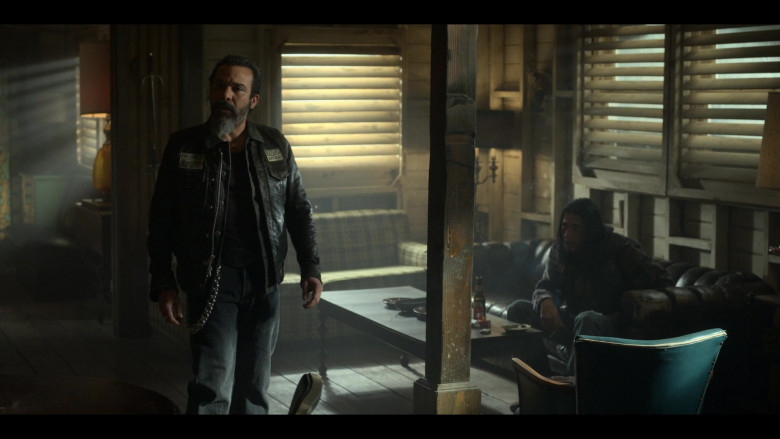 XX Dos Equis Beer in Mayans M.C. S03E05 (1)