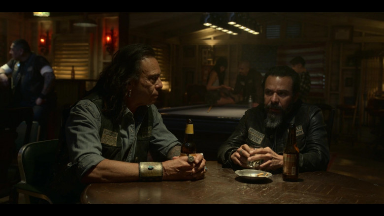 XX Dos Equis Beer in Mayans M.C. S03E05 (4)