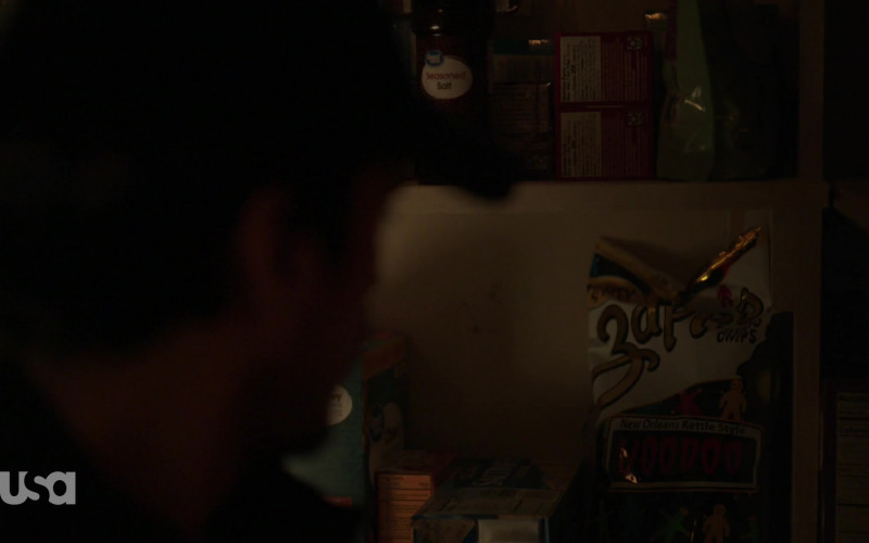 Zapp's Chips in Queen of the South S05E04 La Situacion (2021)