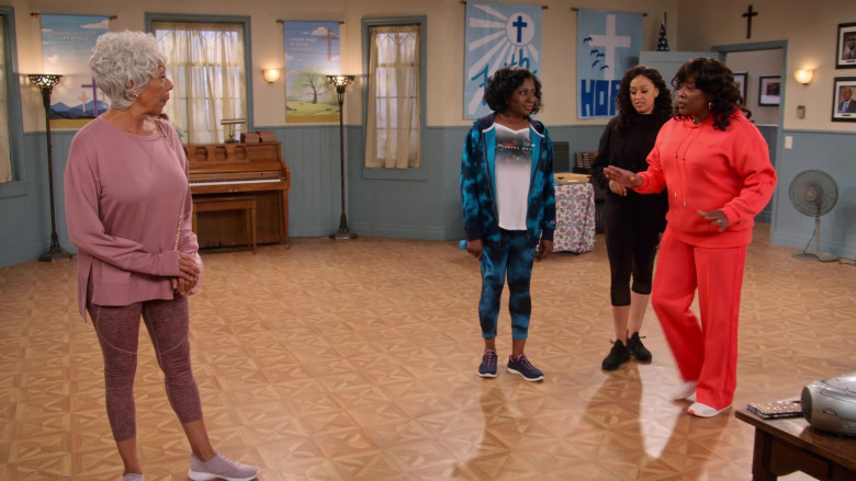 adidas x IVY PARK Orange Hoodie and Pants of Loretta Devine as M'Dear in Family Reunion S03E08 (2)