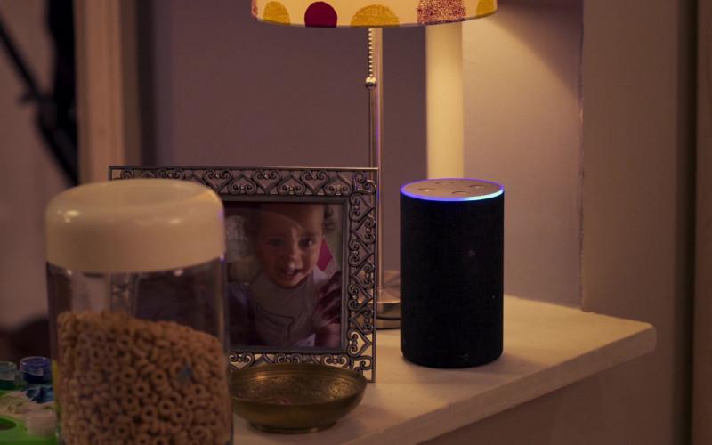 Amazon Echo Smart Speaker in Girls5eva S01E03 Alf Musik (2021)