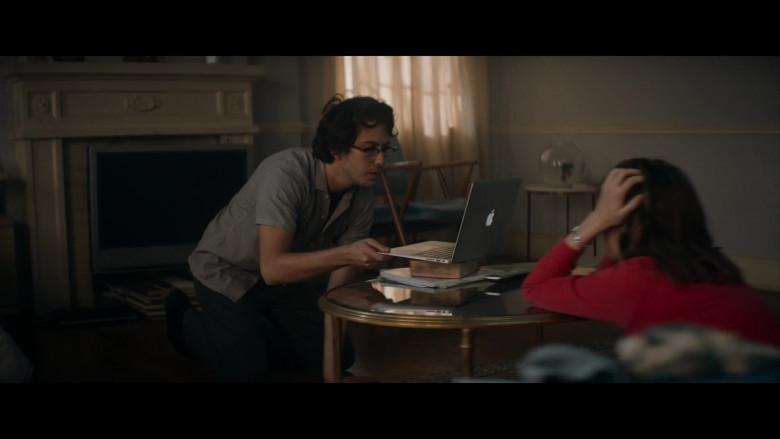 Apple MacBook Laptop Used by Nat Wolff as Jake in Mainstream (2)