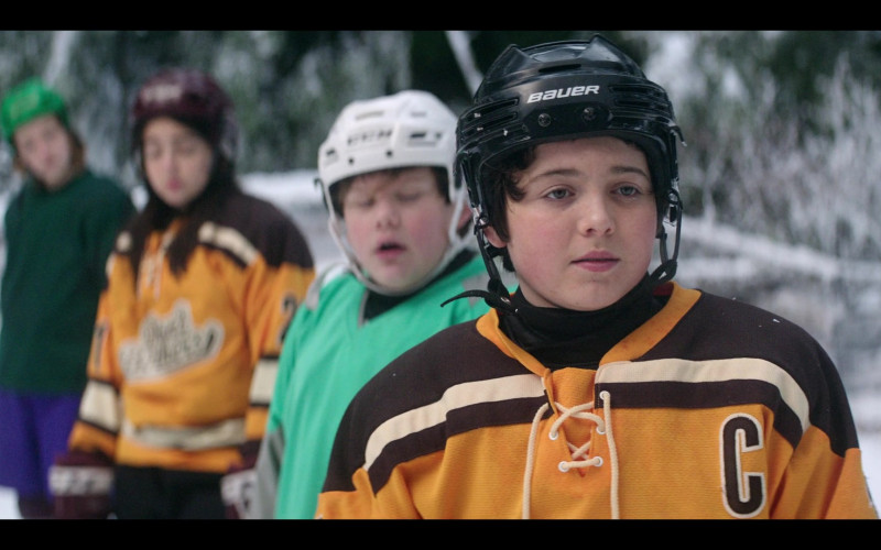 Bauer Hockey Helmets in The Mighty Ducks Game Changers S01E07 (1)