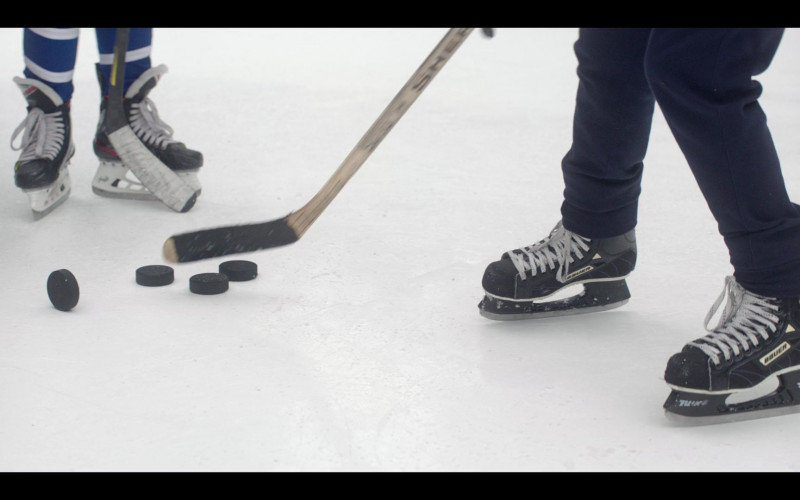 Bauer Hockey Skates in The Mighty Ducks Game Changers S01E07 Pond Hockey (2021)