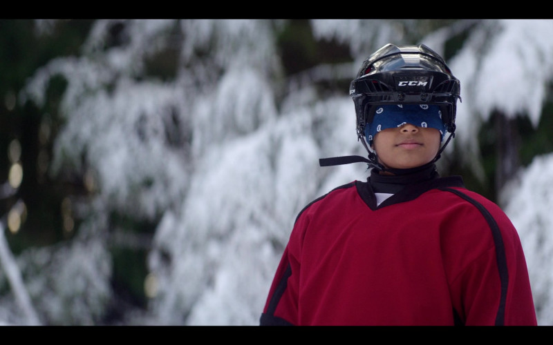 CCM Ice Hockey Helmets in The Mighty Ducks Game Changers S01E07 (3)