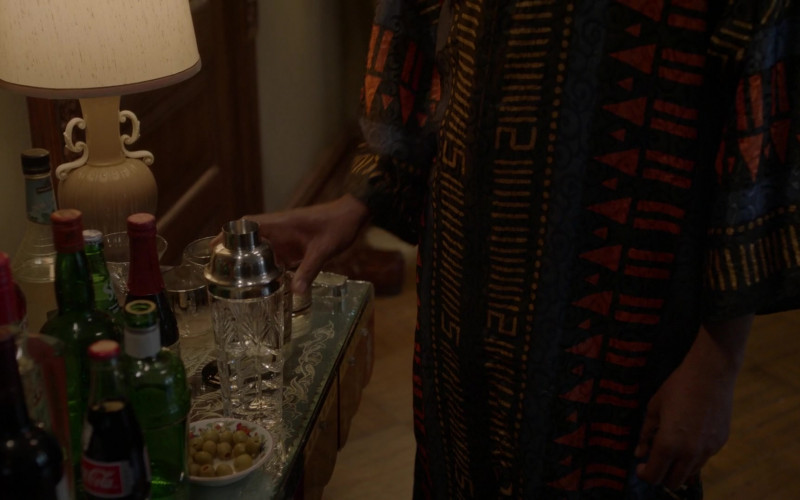Coca-Cola Bottle in Pose S03E02 Intervention (2021)