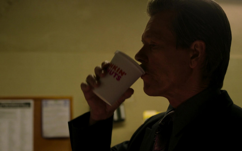 Dunkin' Donuts Coffee Enjoyed by Kevin Bacon as John 'Jackie' Rohr in City on a Hill S02E06 Don't Go Sayin Last Words (2021)