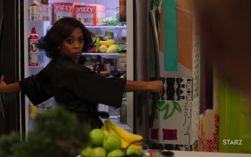 Farmland Real Whipped Light Cream and Vizzy Hard Seltzer in Run The World S01E02 Because… Ados (2021)