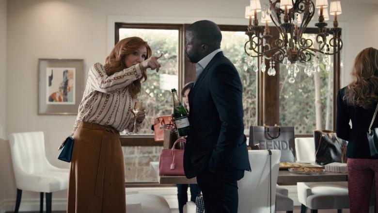 Fendi Handbag in Good Girls S04E07 Carolyn With a Y (2021)