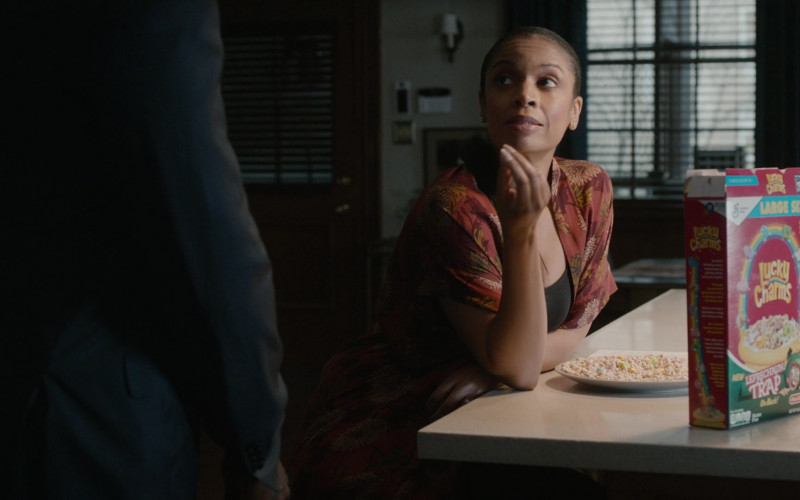 General Mills Lucky Charms Cereal Enjoyed by Susan Kelechi Watson as Beth (Clarke) Pearson in This Is Us S05E14 (1)