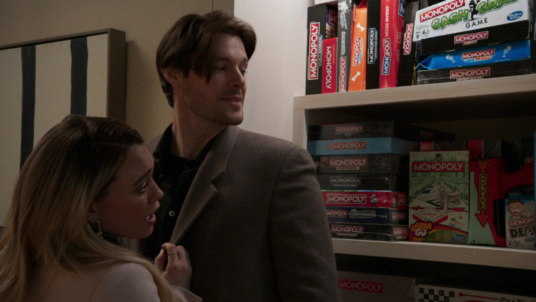 Hasbro Monopoly Board Games in Younger S07E10 Inku-baited (2021)
