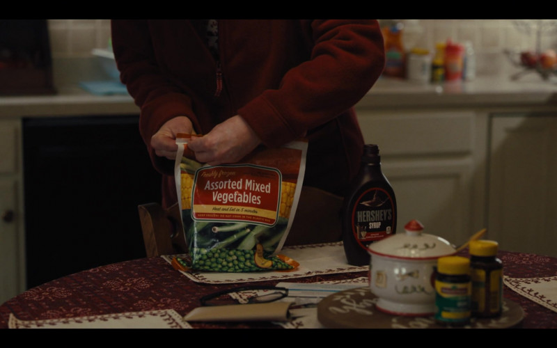 Hershey's Syrup in Mare of Easttown S01E04 Poor Sisyphus (2021)