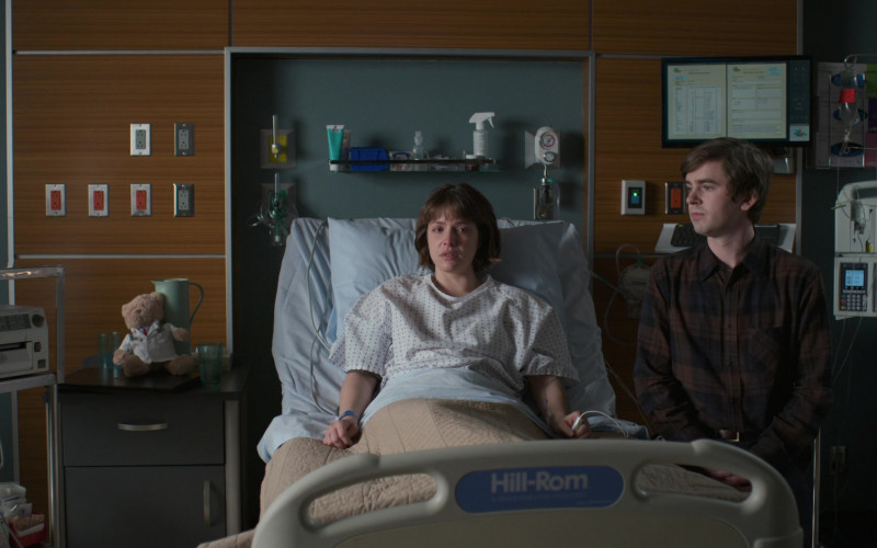 Hill-Rom Hospital Beds in The Good Doctor S04E16 (5)