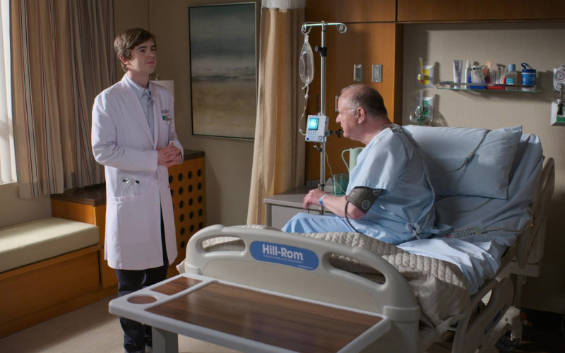 Hill-Rom Hospital Beds in The Good Doctor S04E17 Letting Go (2)