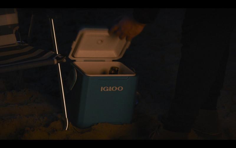 Igloo Cooler in Shrill S03E07 (3)