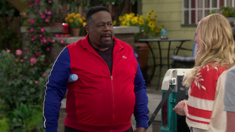 Lacoste Red-Blue Track Jacket of Cedric the Entertainer as Calvin in The Neighborhood S03E16 Welcome to the Test Run (2021)