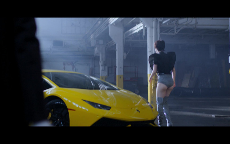 Lamborghini Yellow Sports Car in Jupiter's Legacy S01E04 (1)