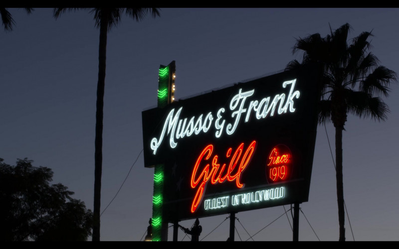 Musso & Frank Grill American Restaurant in The Kominsky Method S03E03 Chapter 19. And it's getting more and more absurd (2021)