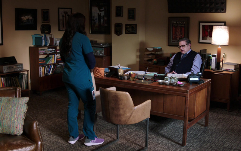 New Balance Women's Sneakers of Marlyne Barrett as Maggie Lockwood in Chicago Med S06E13 (1)