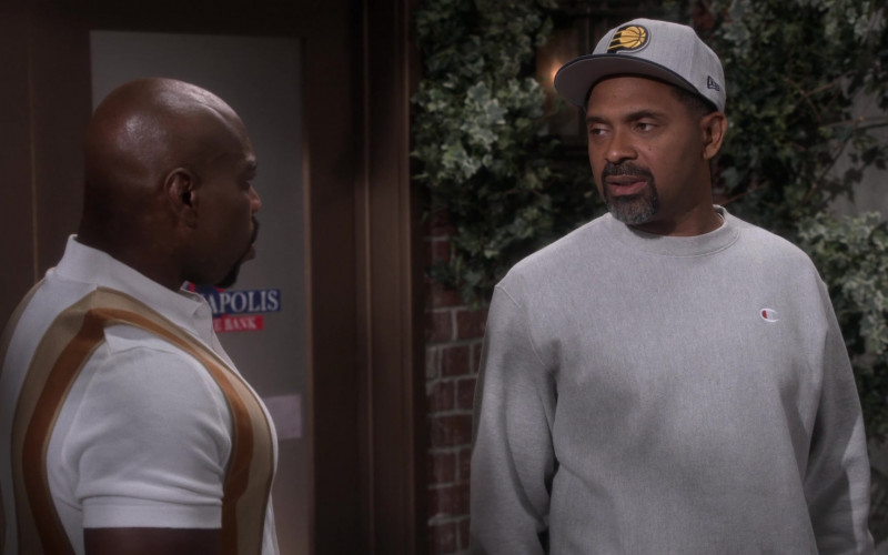 New Era Cap and Grey Sweatshirt of Mike Epps as Bennie in The Upshaws S01E06 Last Straw (2021)