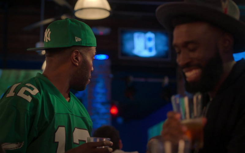 New Era New York Yankees Green Snapback Hat in Run The World S01E03 What a Co-inky-d… (2021)