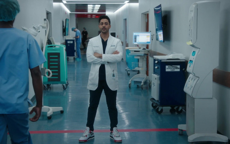 Nike Air Jordan 4 Sneakers of Manish Dayal as Devon Pravesh in The Resident S04E12 Hope in the Unseen (2021)
