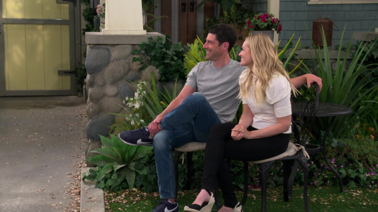 Nike Classic Cortez Blue Sneakers of Max Greenfield as Dave Johnson in The Neighborhood S03E18 Welcome to the Surprise (3)