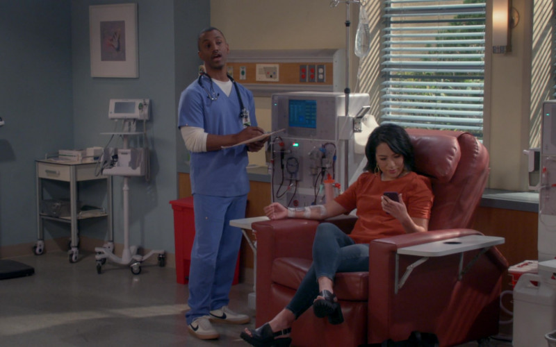 Nike Killshot Shoes of Darryl Stephens as Gideon in B Positive S01E17 Transplanticipation (2021)