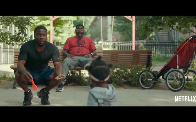 Nike T-Shirt and Socks of Kevin Hart as Matthew Logelin in Fatherhood (2021)