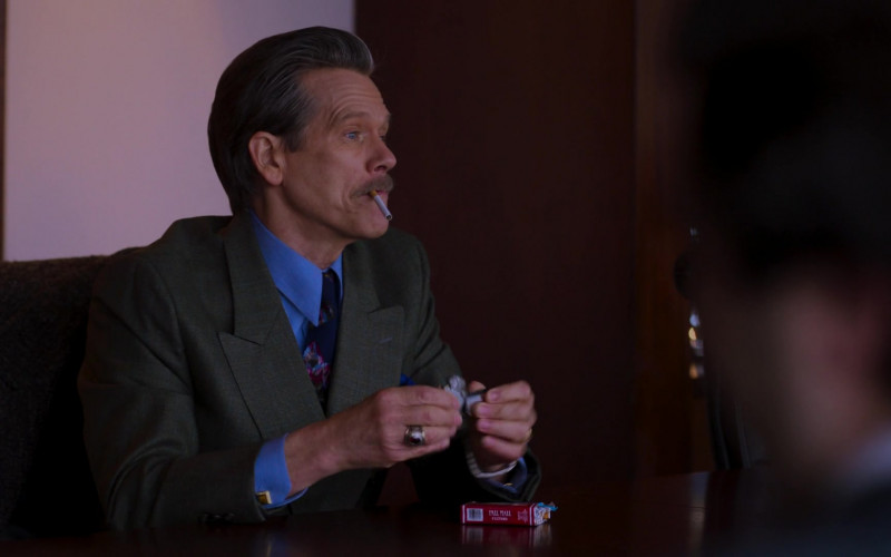 Pall Mall Cigarettes of Kevin Bacon as John 'Jackie' Rohr in City on a Hill S02E08 Pax Bostonia (2021)