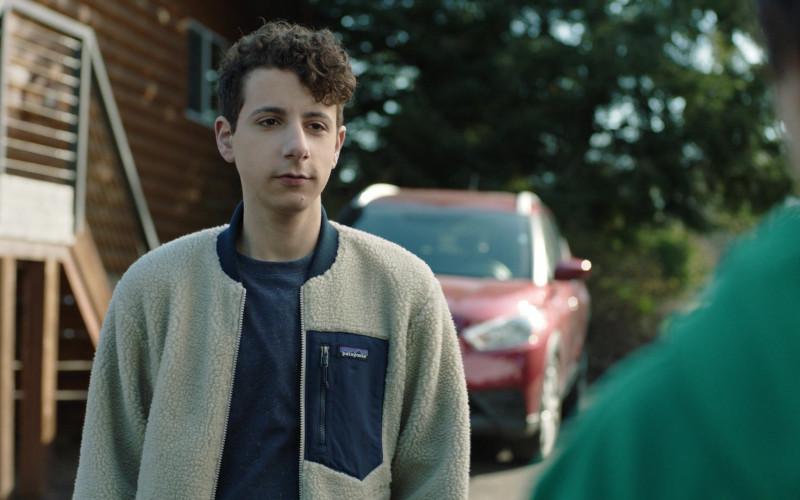 Patagonia Jacket of Jake Ryan as Peter in Chad S01E07 Lakehouse (2021)