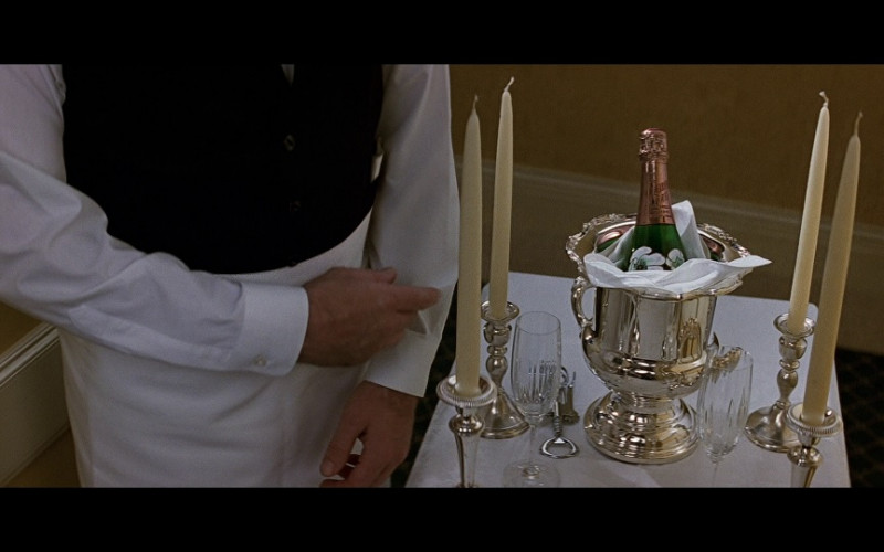 Perrier-Jouët champagne in Patriot Games (1992)