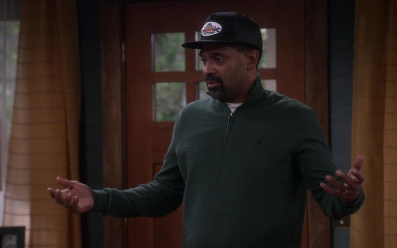 Ralph Lauren Men's Half Zip Green Pullover of Mike Epps as Bennie in The Upshaws S01E10 The Backslide (2021)