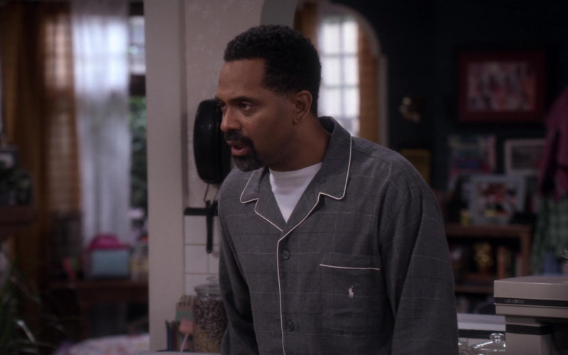 Ralph Lauren Pajamas of Mike Epps as Bennie in The Upshaws S01E10 TV Show 2021 (2)