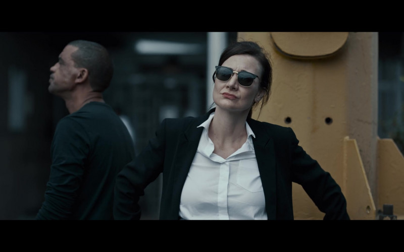 Ray-Ban Sunglasses of Erica Wessels as Jodie Snyman in I Am All Girls (1)