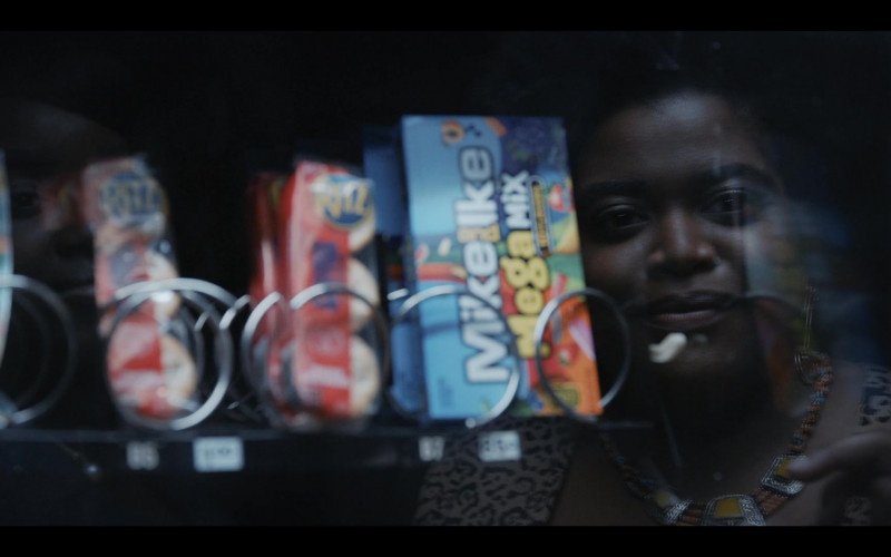 Ritz Crackers and Mike & Ike Candies in Shrill S03E07 Beach (2021)