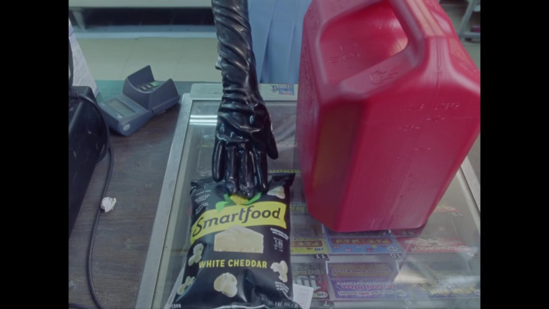 Smartfood White Cheddar Flavored Popcorn in Good 4 U by Olivia Rodrigo (2)