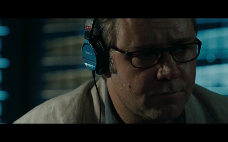 Sony Headset of Russell Crowe as Ed Hoffman in Body of Lies (2008)