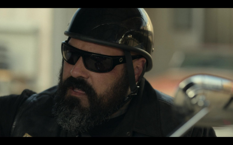 Spy Men's Sunglasses in Mayans M.C. S03E10 Chapter the Last, Nothing More to Write (2021)