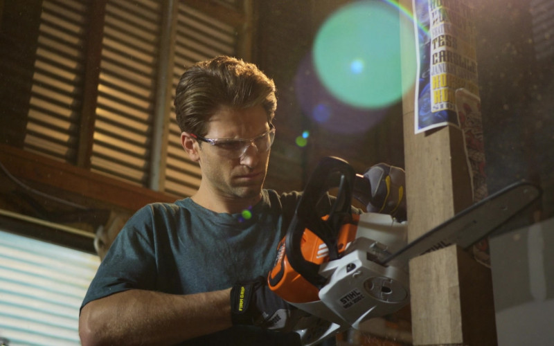 Stihl Chainsaw in Walker S01E10 Encore (2021)