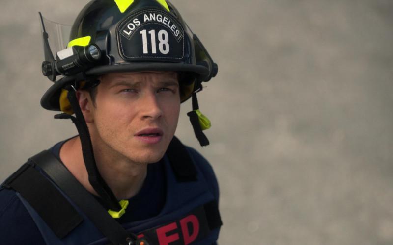 Streamlight Firefighter Flashlight in 9-1-1 S04E14 Survivors (2021)