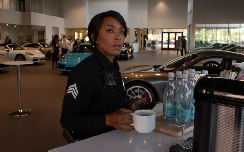 Tahoe Artesian Water Bottles in 9-1-1 S04E11 First Responders (2021)