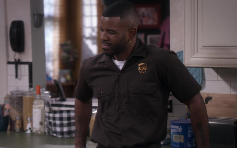 UPS and Maxwell House in The Upshaws S01E10 The Backslide (2021)