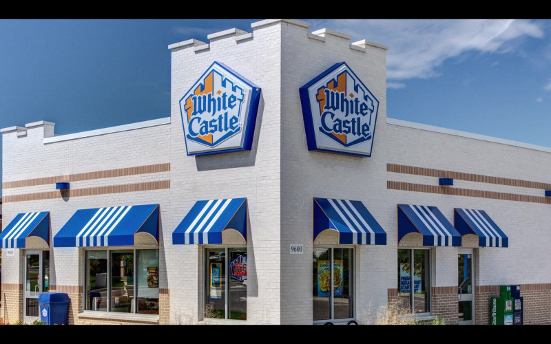White Castle Restaurant in That Damn Michael Che S01E05 TV Show (8)